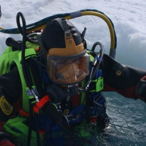 Diver-Recovery-Vest-tested-in-harsh-conditions